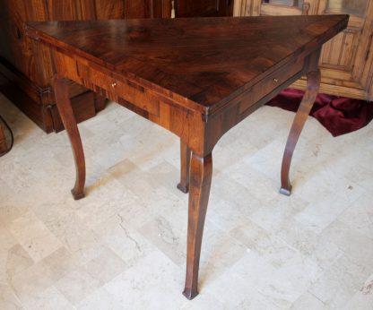 Antico tavolo da gioco in palissandro
