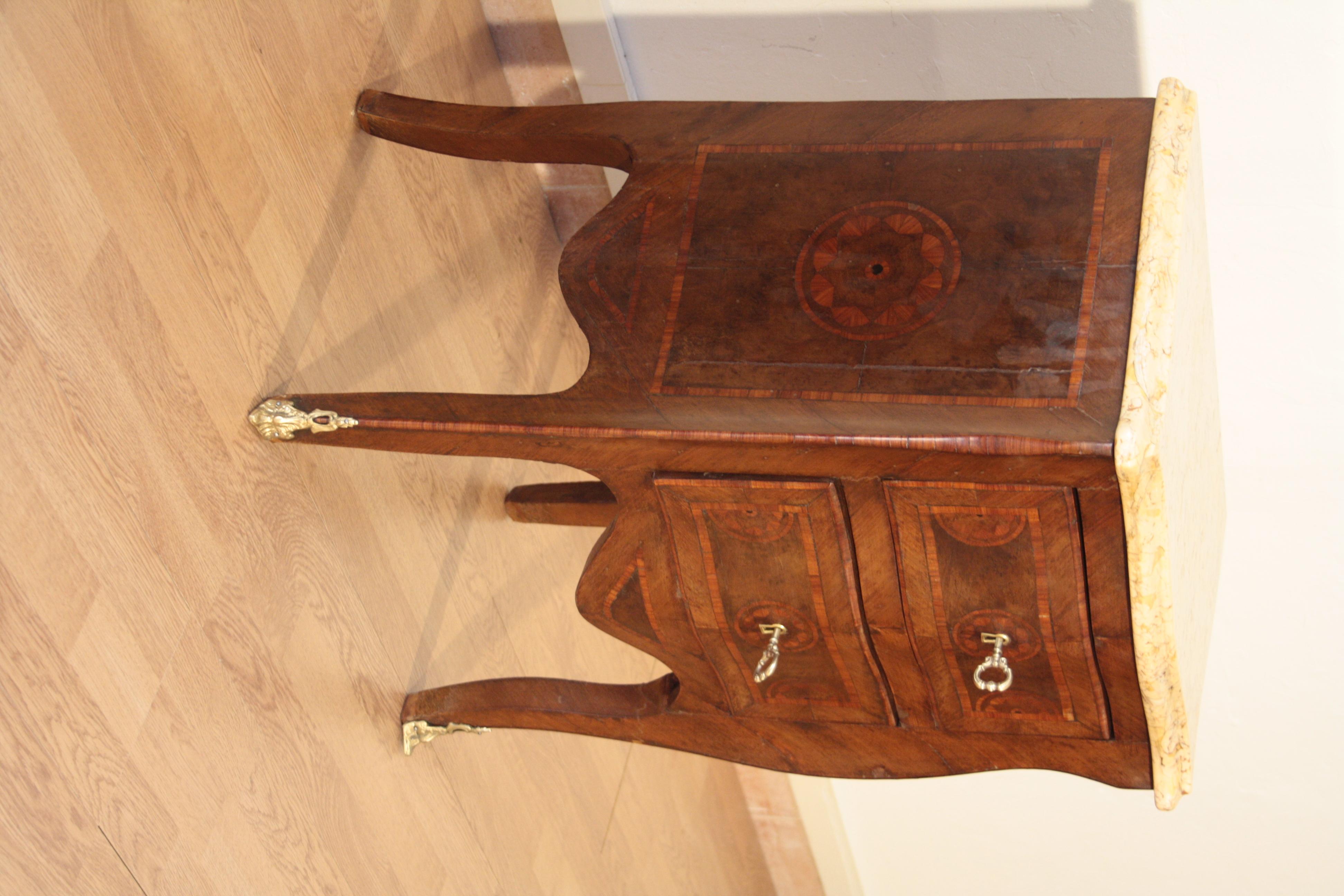 Comodini stile Luigi XV intarsiati , 1920 , set di 2