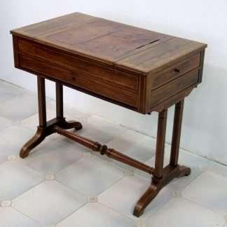 Tavolino francese raro